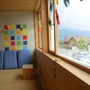 Allège de béton habillée de bois - école en Autriche (Andréas Cukrowicz - 2004) photo: Karine Terral.