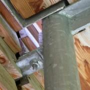 Assemblage d'une structure mixte galva-bois.
