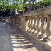 Balustrade au jardin de l'Esplanade (Nîmes) (30) photo: Françoise Miller.