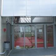 Bardage métallique du collège de Saône (25) (Novae - 2000) photo: Karine Terral.