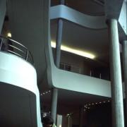 Poteaux et balcons en béton armé du Musée Guimet à Paris (75) (Atelier Henri Gaudin - 1993-1999) photo: Karine Terral.