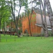 La grange au lac avec clins de bois (Evian) (Patrick Bouchain - architecte) photo: Odile Besème.
