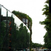 Le Quai Branly (Paris) un boulevard en bordure de Seine (75) photo: Françoise Miller.