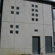 Calepinage en façade de l'assemblage des banches - collège de Valentigney (25) photo: Karine Terral.