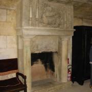 Foyer de cheminée au château de Grignan - photo: Françoise Miller.