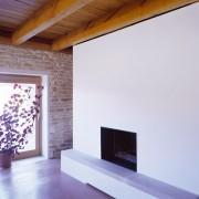 Foyer de la cheminée de la ferme des Marcassins (70) (Amiot et Lombard - architectes - 2004) photographe: Nicolas Waltefaugle.