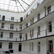 Cour intérieure du Familistère Godin à Bruxelles - photo: Françoise Miller.