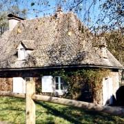 Gouttereau d'une maison dans le Cantal (15) photo: Françoise Miller.