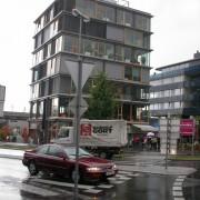 Immeuble de bureaux avec nez de dalles apparents - Bregenz (Autriche) photo: Karine Terral.