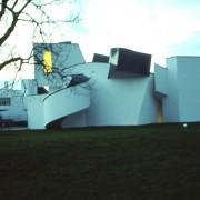 Déconstructivisme des volumes du Musée Vitra - Frank O'Gehry (1998) photo: CAUE du Doubs.