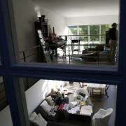 Duplex réalisé dans un ancien entrepôt - Ecole Valentin (25) (Richard Garcia - architecte - 2005) photographe: Nicolas Waltefaugle.