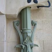 Descente d'eaux pluviales Art Déco de la maison Majorelle - à Nancy - photo. Françoise Miller.