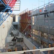Mise en place du gros œuvre chantier collège Lumière - Besançon (25) (Quirot-Vichard architectes) - photo : Alexandre Lenoble.