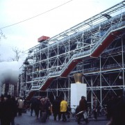 Ossature métallique du Centre Pompidou à Paris (1971-1977) de Richard Rogers et Renzo Piano - photo: CAUE 71.