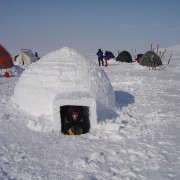 Igloo - photo: www:monsterguide:netlangfr