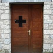Linteau de porte de l'église Saint-Louis rue Montrapon à Besançon (25) Le Moal - photo: Karine Terral.
