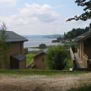 Lotissement privé de 5 maisons au bord du lac Saint point (25) (Joël Laffly - architecte) photo: CAUE du Doubs.