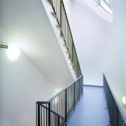 Lumière zénithale de l'hôtellerie d'application du lycée Condé à Besançon (25) (Quirot et Vichard - architectes) photographe: Nicolas Waltefaugle.