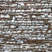 Maçonnerie mixte de pierres et galets - photo: Françoise Miller.