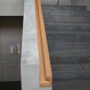 Couronnement d'un garde-corps : la main courante - école de Doren (Autriche) (Cukrowicz et Nachbaur - architectes - 2003) photo: Karine Terral.