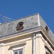 Descente d'eaux pluviales d'un immeuble XIXe - photo. Françoise Miller.