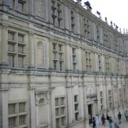 Ordonnance de la façade Renaissance du château de Grignan - photo: Françoise Miller.
