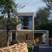 Parement en pierre - maison à Chenecey-Buillon (Quirot-Vichard - architectes - 2006) photo: Ludivine Gérardin.