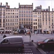 Place des Terreaux - Lyon (69) (Daniel Buren) photo: CAUE du Doubs.