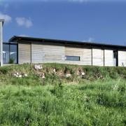 Long-pan d'une maison individuelle (70) (Pierre Guillaume - architecte - 2005) photgraphe: Nicolas Waltefaugle.