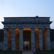 Porche monumental de la Saline Royale d'Arc-et-Senans (25) (C.N. Ledoux - XVIIIe) photo: Karine Terral.