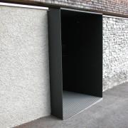Porche d'entrée d'une agence d'architecte - Röstis (Autriche) Frick and Frick - photo: Karine Terral.