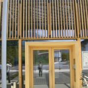 Porte de la mairie - Ludesch (Autriche) photo: Maison de l'Architecture de Franche-Comté.