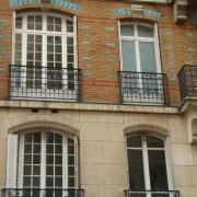 Revêtement en briques d'un immeuble parisien (75) photo: Karine Terral.