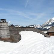 Souche de cheminée d'un chalet savoyard - photo : Karine Terral.