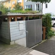 Toit végétale d'un abri à vélo - quartier Vauban de Fribourg (All.) 2005.
