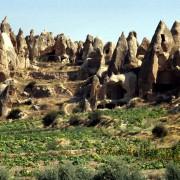 Abri troglodytique en Cappadoce (Turquie) aménagés dans le calcaire tendre. Photo: Gérard Lamorte
