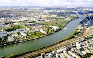 Ville nouvelle - l'exemple de Vitry (94) vue aérienne de la revue Urbanisme.