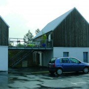 Opération de 11 logements sociaux de Logis Ouest à Trignanc par Drodelot-Levron (2006) (photo Rémi Bassez).