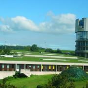 Toiture végétale du lycée Ledoux - Quirot et Vichard architectes - 1992 - Photo. du CAUE25.