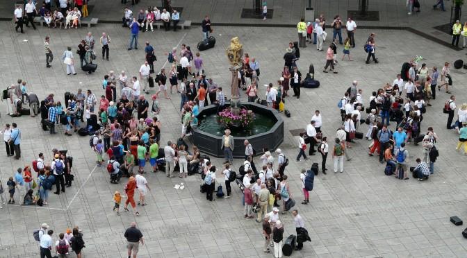 foule dans un espace public