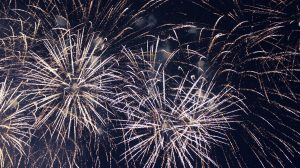 fireworks-572453_1920